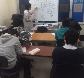 新高校3年生物理講習会実施中画像