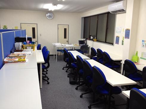自習室の席数を拡張しました。画像